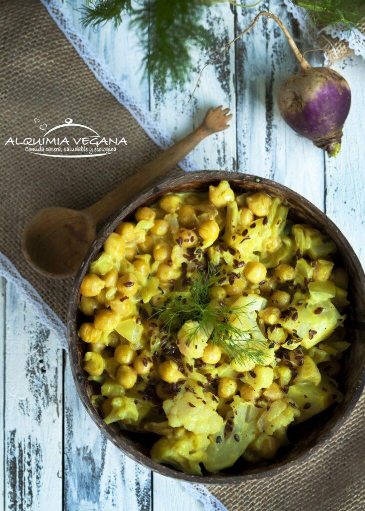 Curry suave de garbanzos y arroz basbatic