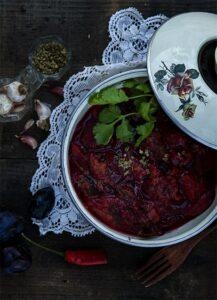 salsa  de ciruelas tkemali